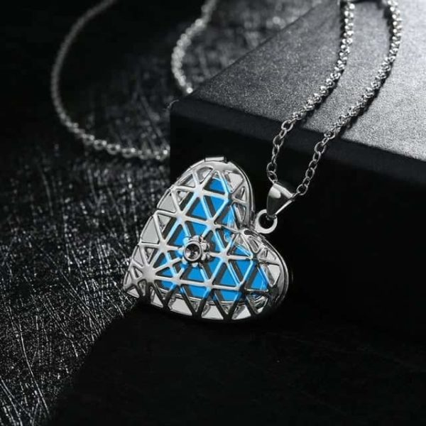 Lovely Hollow Out Glow In Dark Luminous Pendant Necklace 8