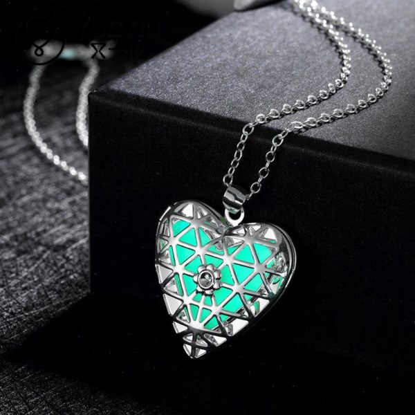 Lovely Hollow Out Glow In Dark Luminous Pendant Necklace 4