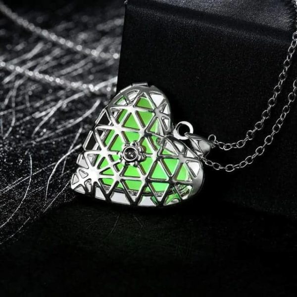 Lovely Hollow Out Glow In Dark Luminous Pendant Necklace 6