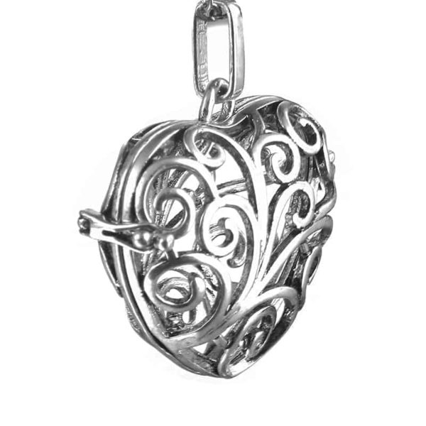 Silver Plated Hollow Out Love Heart Pendant Necklace 5