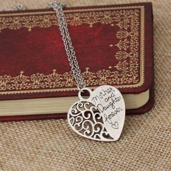 Vintage Choker Necklaces Hollow Out Letter LOVE Heart Pendant 4